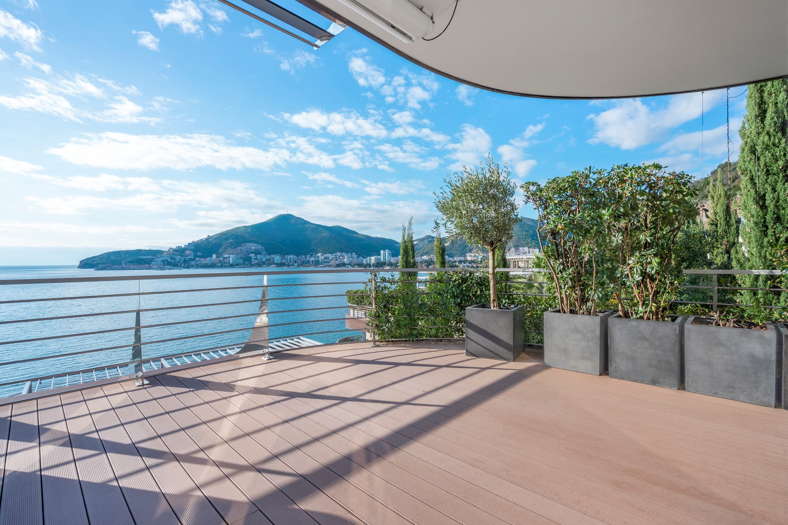 Budva, Dukley Gardens - two-bedroom apartment with panoramic sea views
