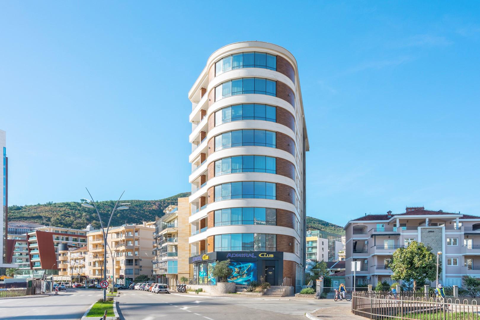 Budva, Mediteranska ulica – dvosoban apartman s panoramskim pogledom na more