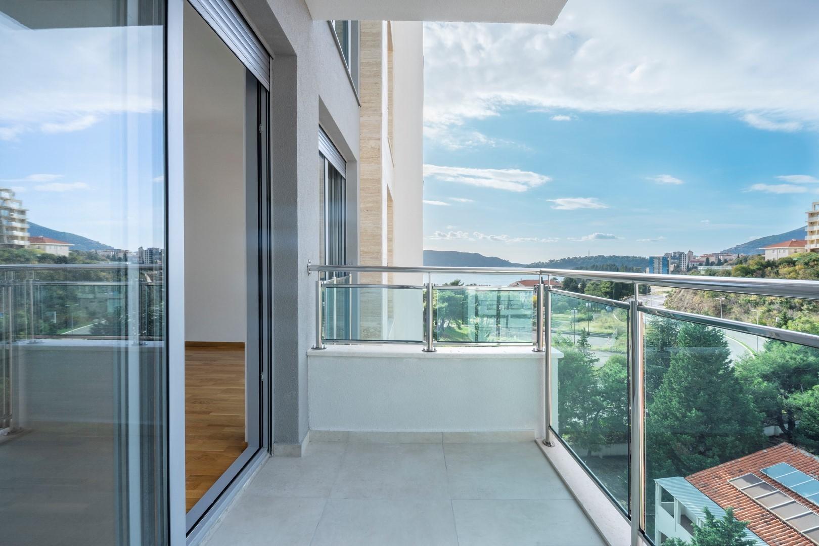 Budva, Bečići – nov dvosoban apartman 100m od mora