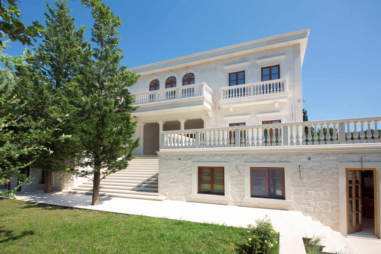 Budva, Rezevici – exclusive villa on unique location