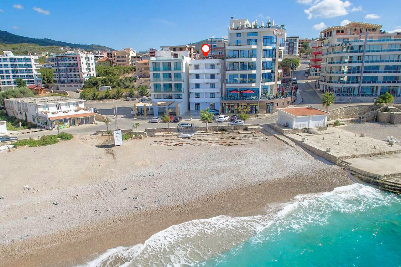 Bar, Dobre Vode – mini hotel na plaži Veliki Pijesak