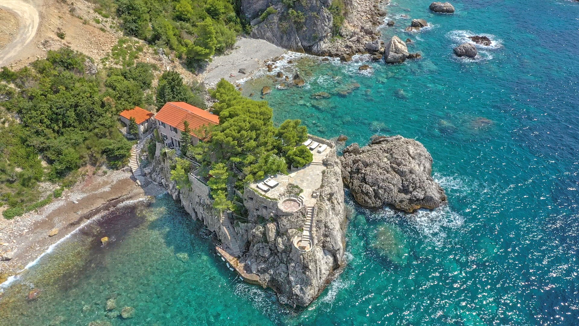 Budva, Rezevici – unique stone villa on a small peninsula