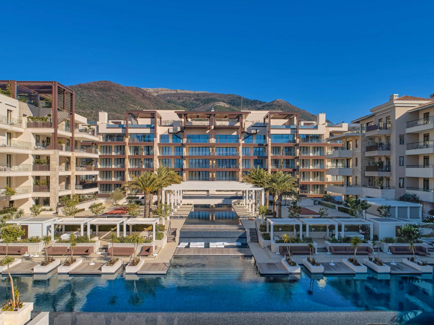 Tivat, Porto Montenegro – ekskluzivni apartmani u zgradi Elena, Regent Pool Club