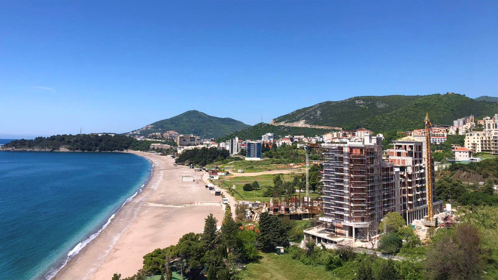 Budva, Becici – luxury apartments 50m from the sea
