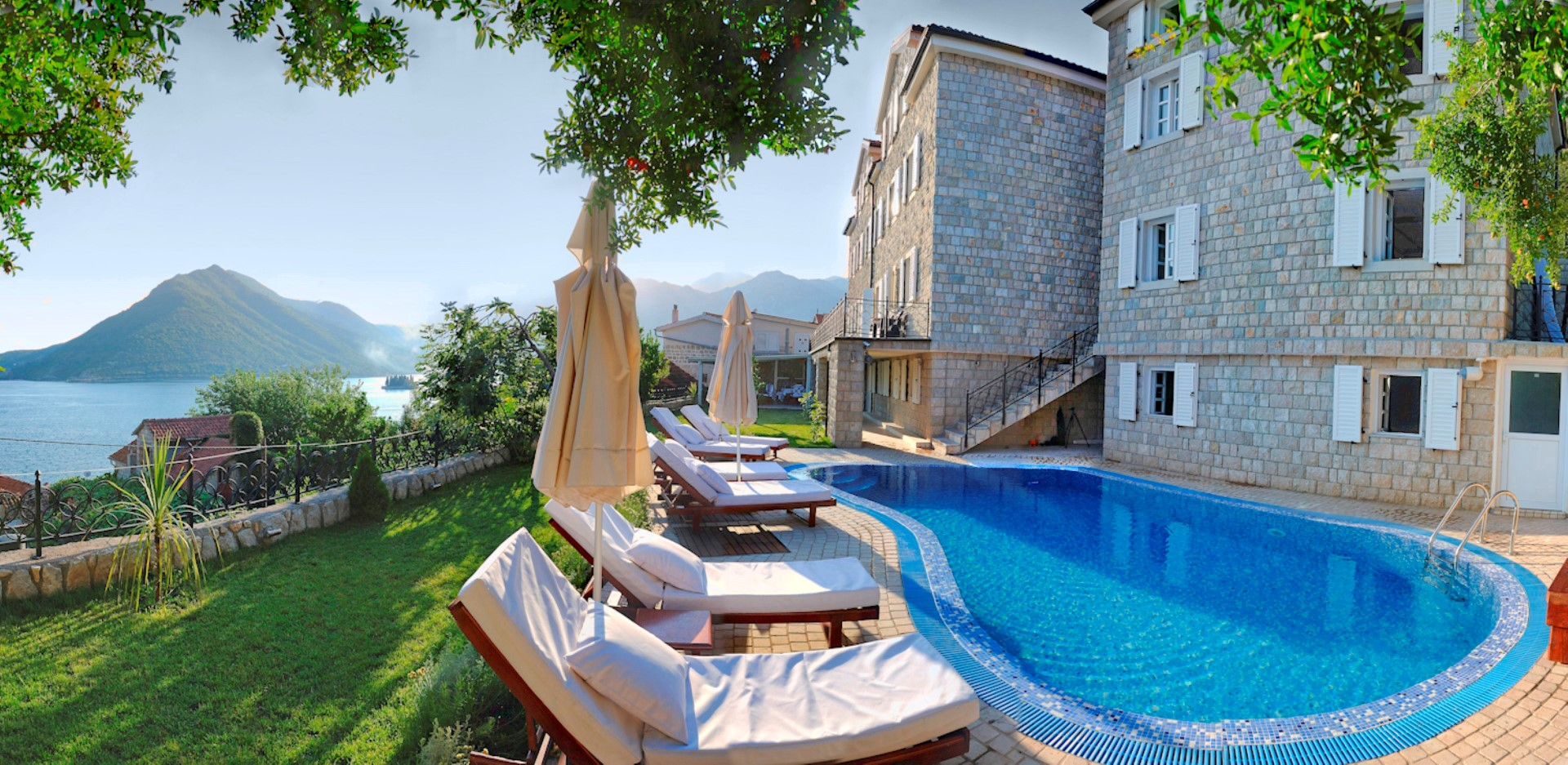 Kotor, Perast – exclusive stone villa with a swimming pool
