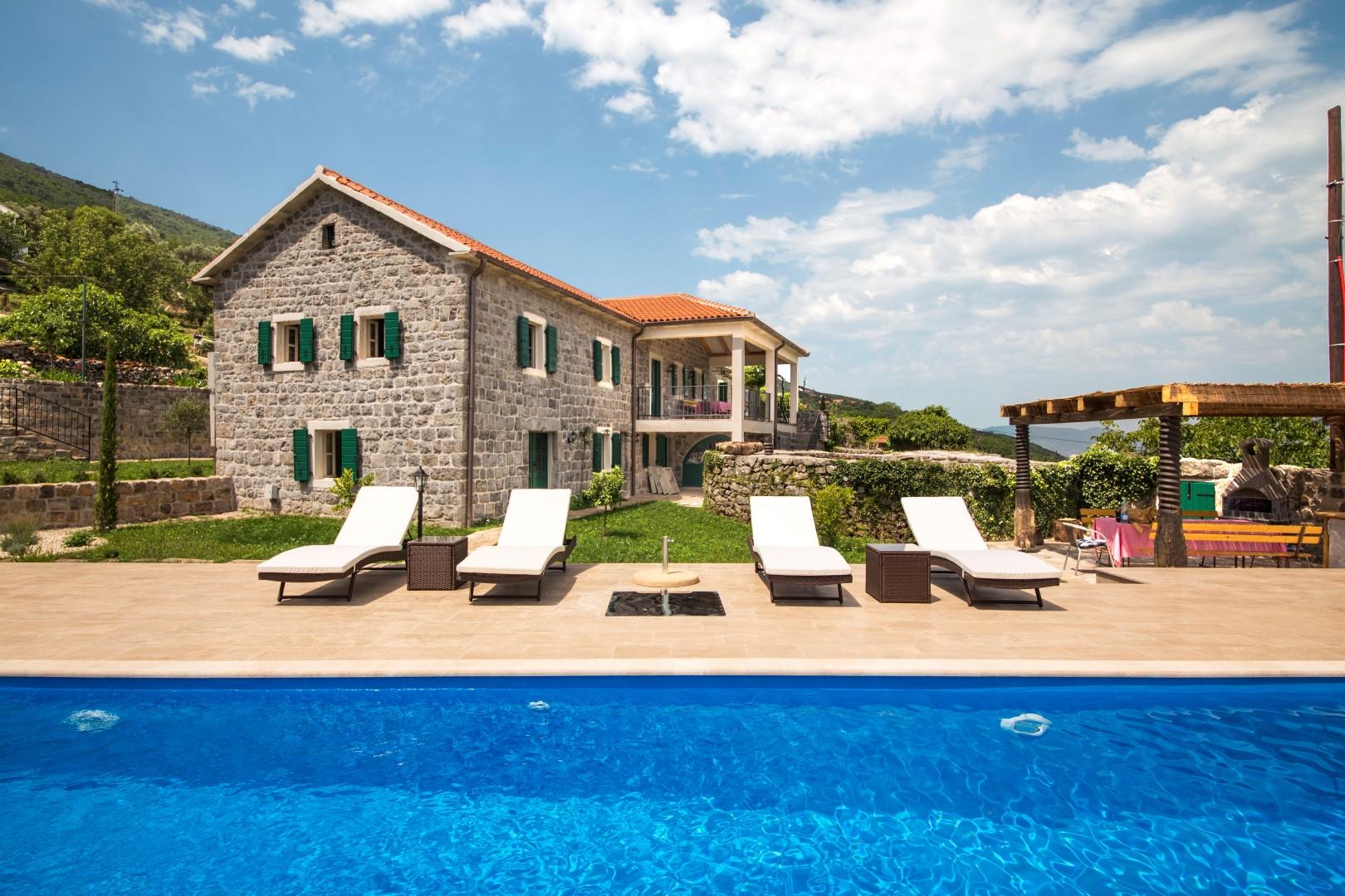 Luštica, Zabrđe – luksuzno imanje s panoramskim pogledom na more