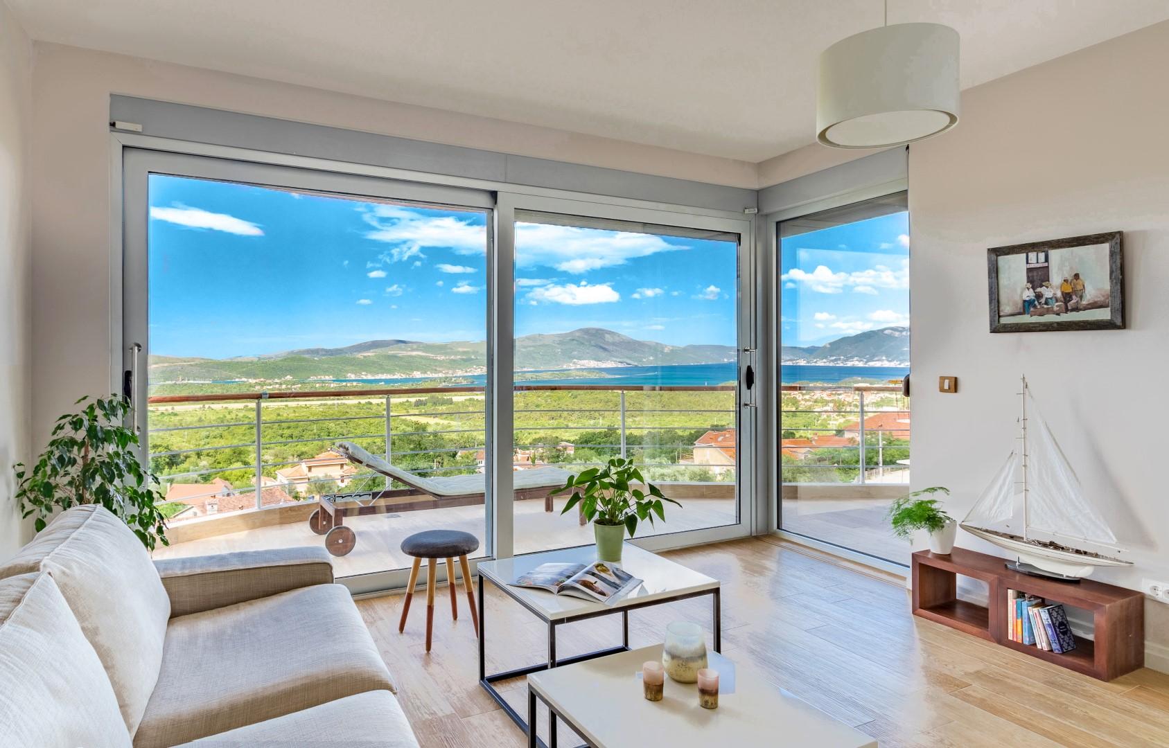 Kotor, Kavac – contemporary apartment with panoramic sea views