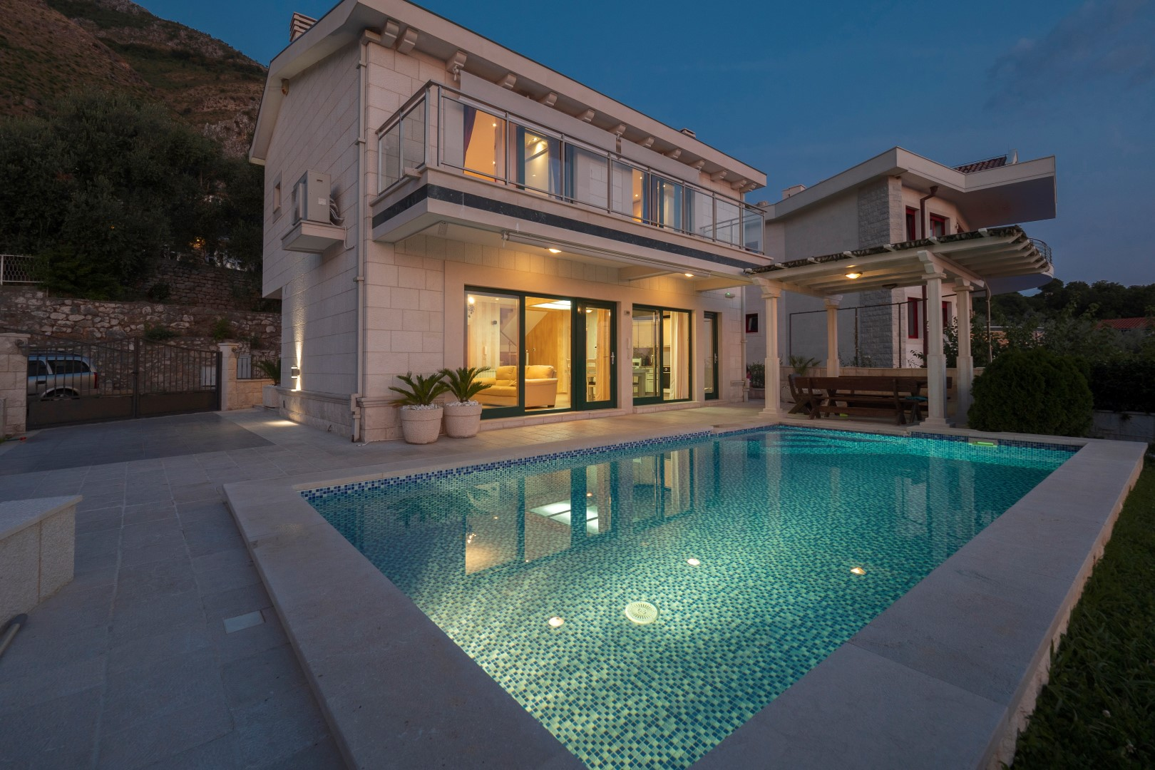 Budva, Rijeka Rezevica – exclusive villa 210m2, with swimming pool