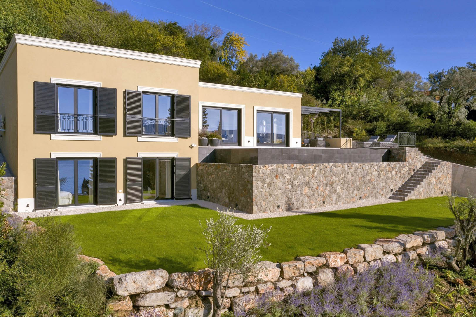 Tivat, Donja Lastva – nova vila s bazenom i otvorenim pogledom na more