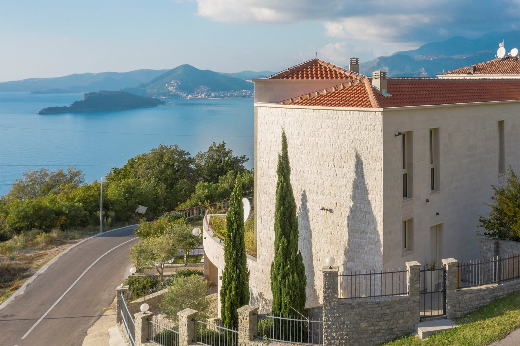 Budva, Blizikuće – luxury villa with open views of the sea and Sveti Stefan