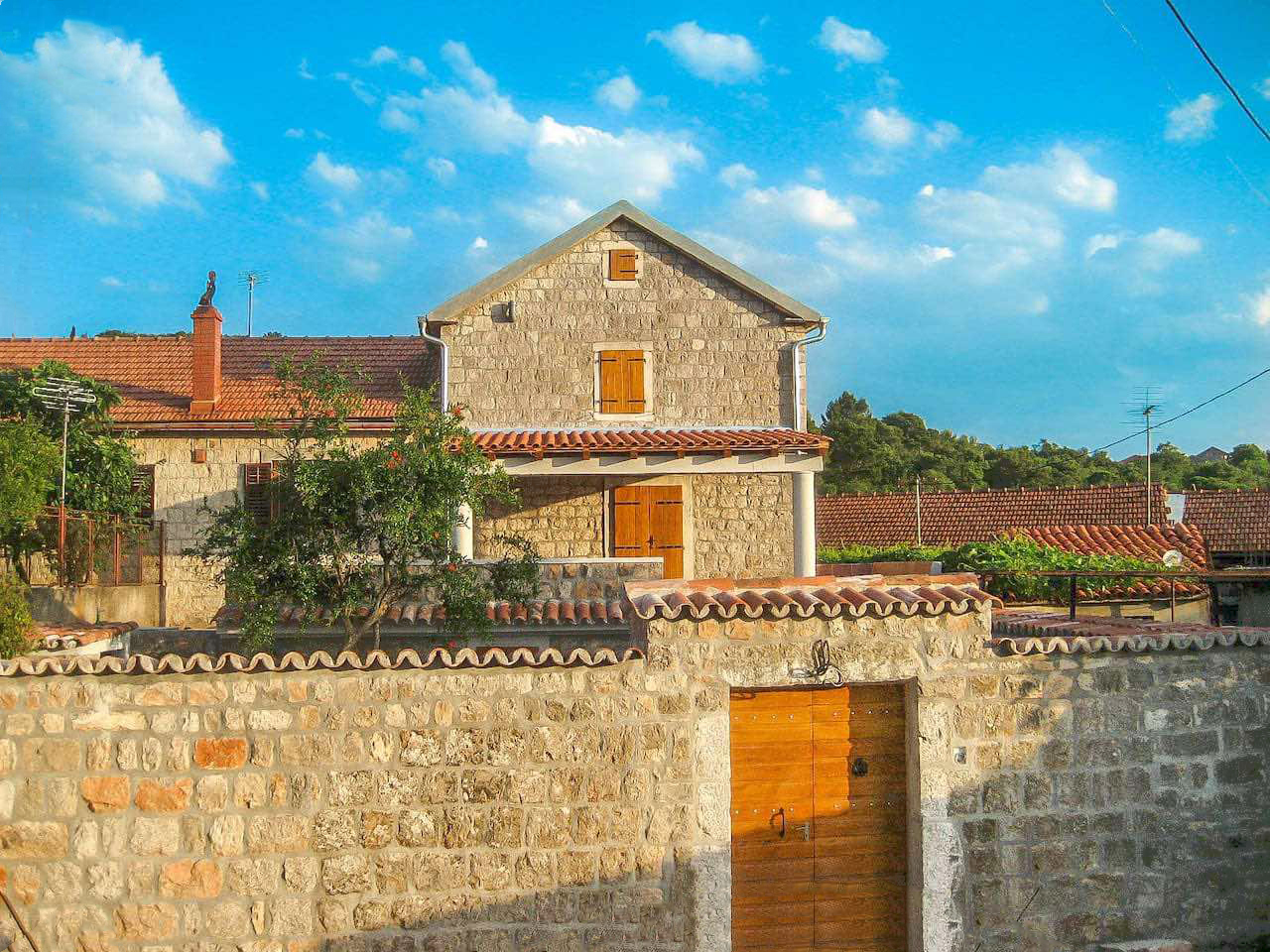 Луштица, Маровичи — отреставрированный аутентичный каменный дом