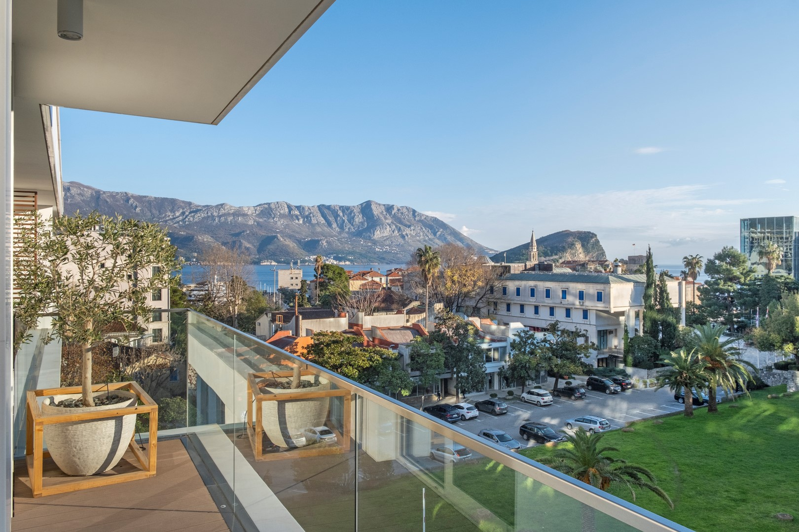 Budva, Dukley Residences – one-bedroom apartment overlooking the sea and the Old Town
