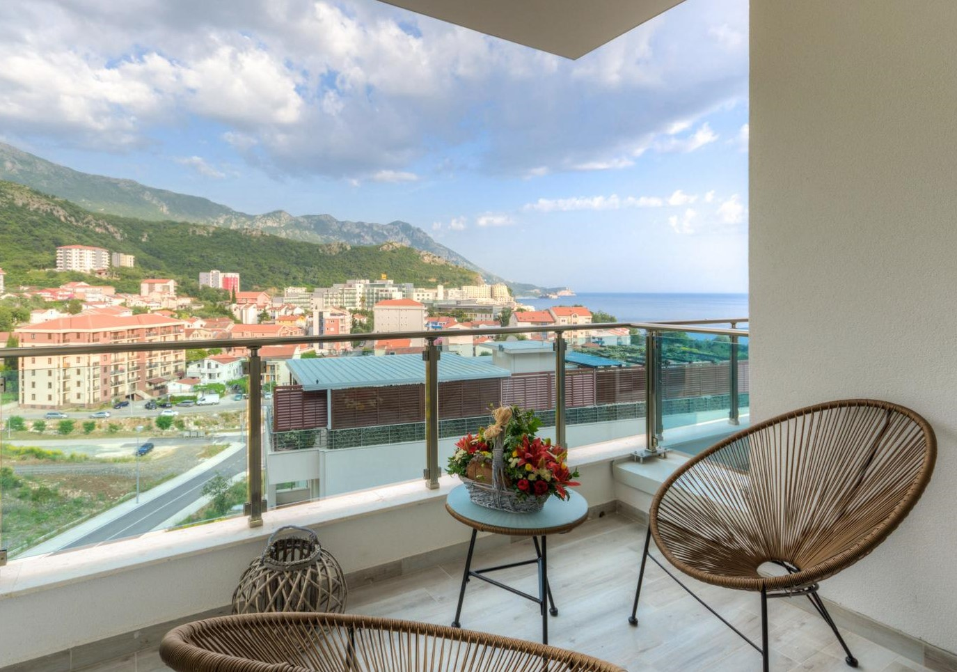 Budva, Becici – two-bedroom apartment with sea view
