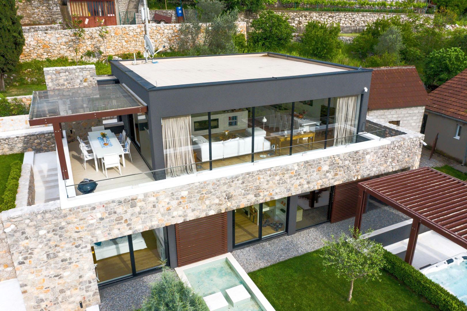 Podgorica, Masline – savremena dizajnerska vila