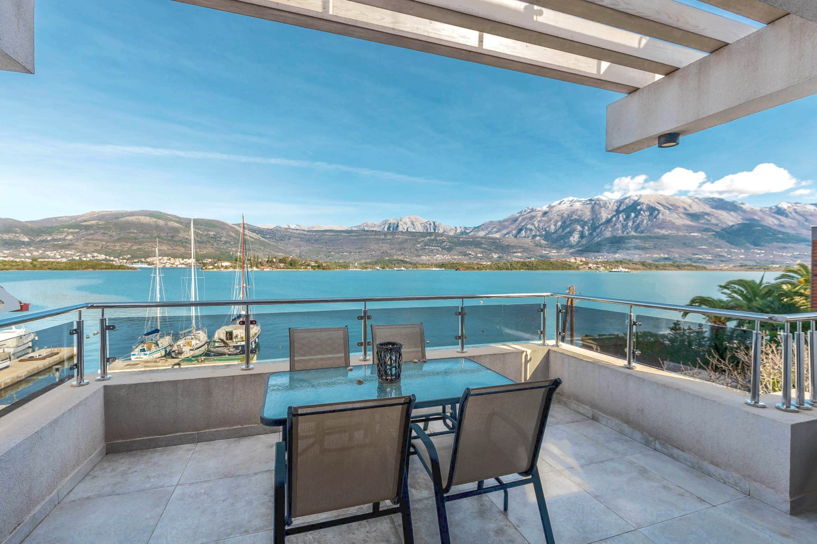 Tivat, Krtole – apartment villa on the first line to the sea