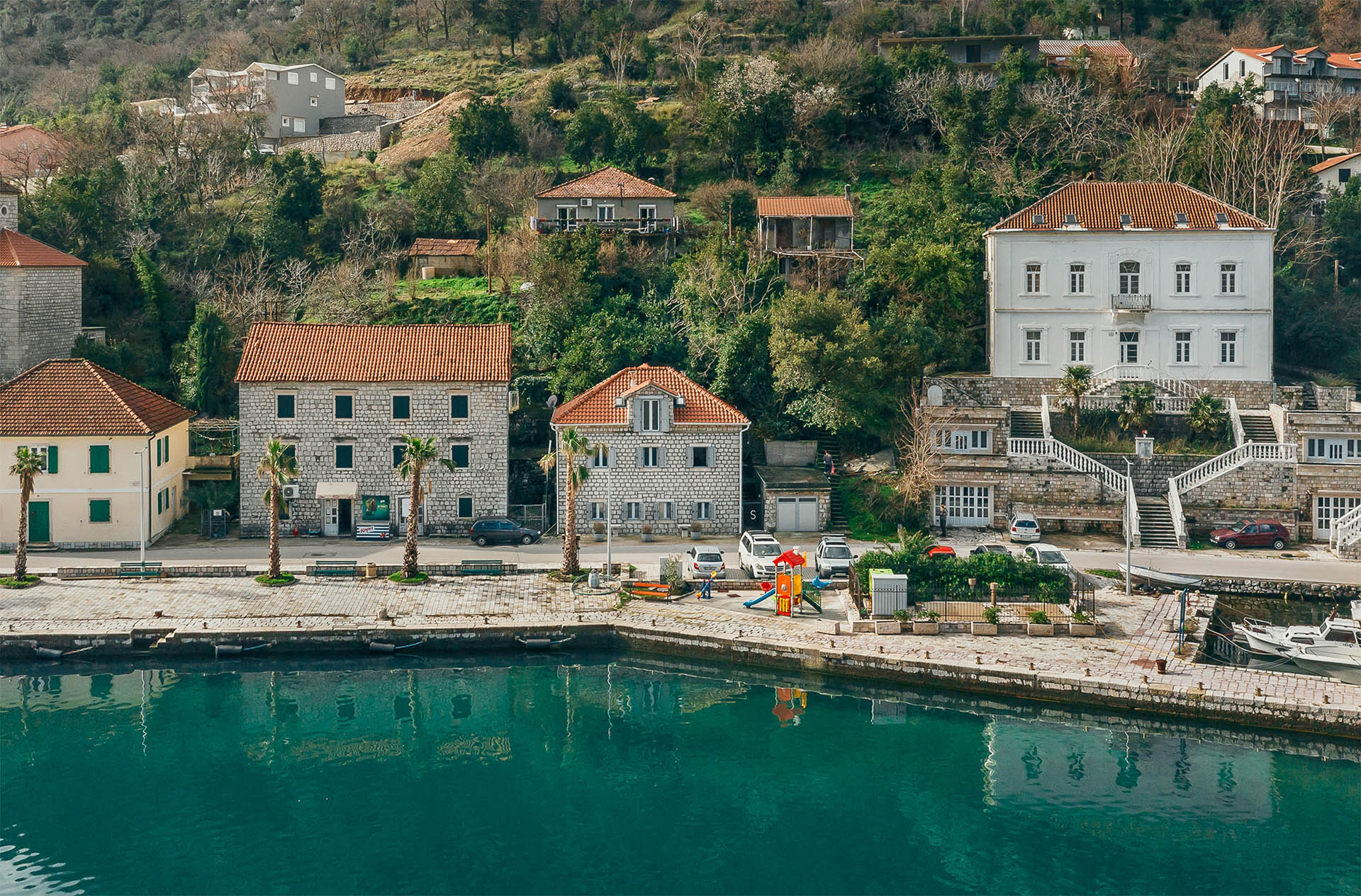 Kotor, Muo – renovated stone house on the first line to the sea