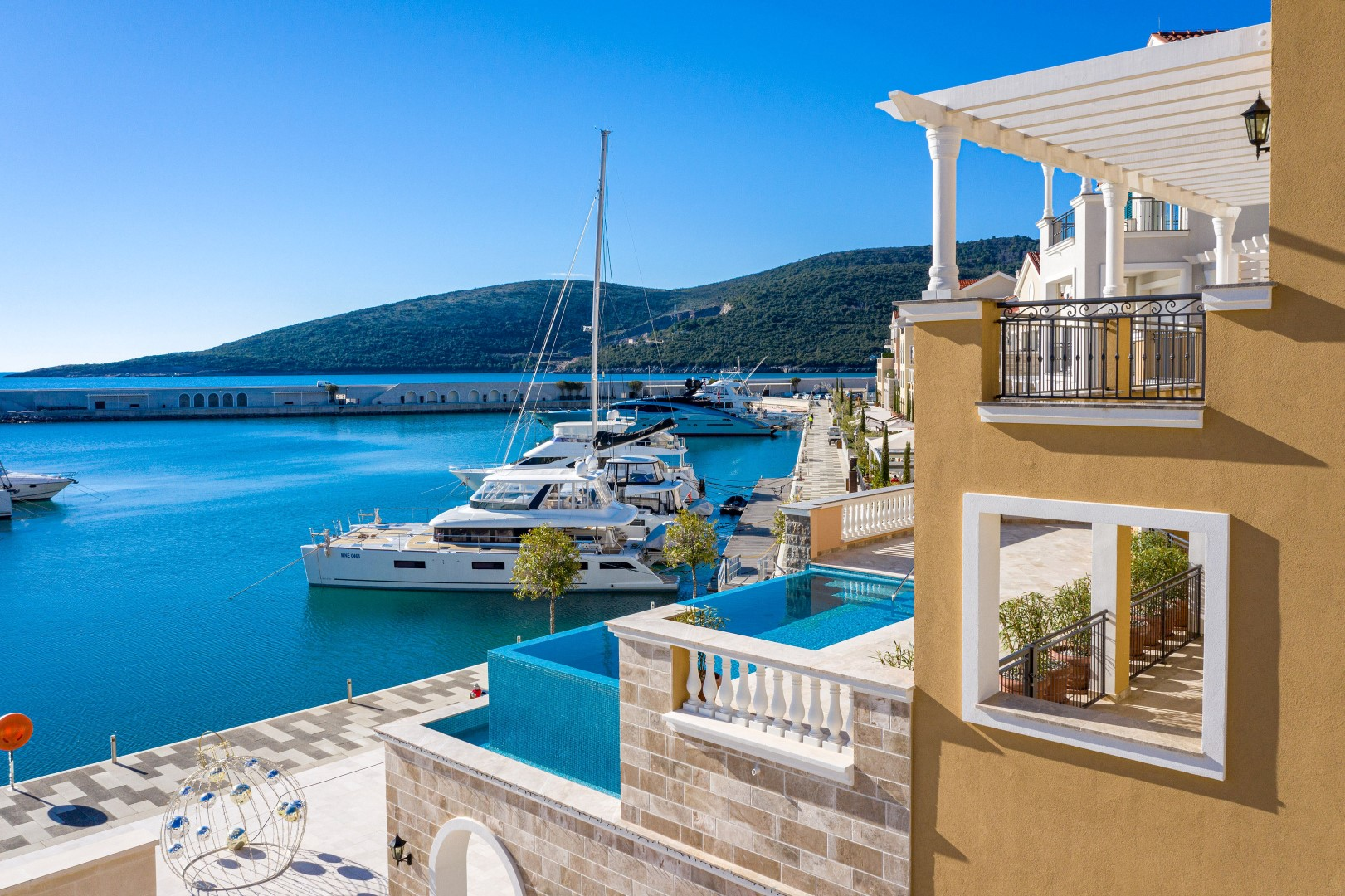 Tivat, Lustica Bay – three-bedroom apartment on the seafront