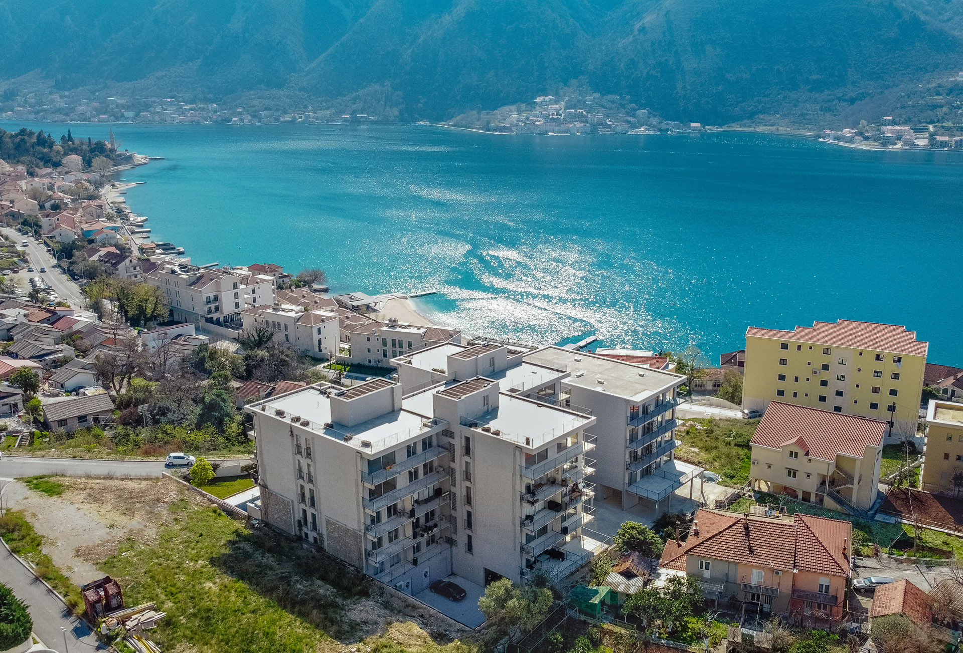 Kotor, Dobrota – one-bedroom apartment with sea view