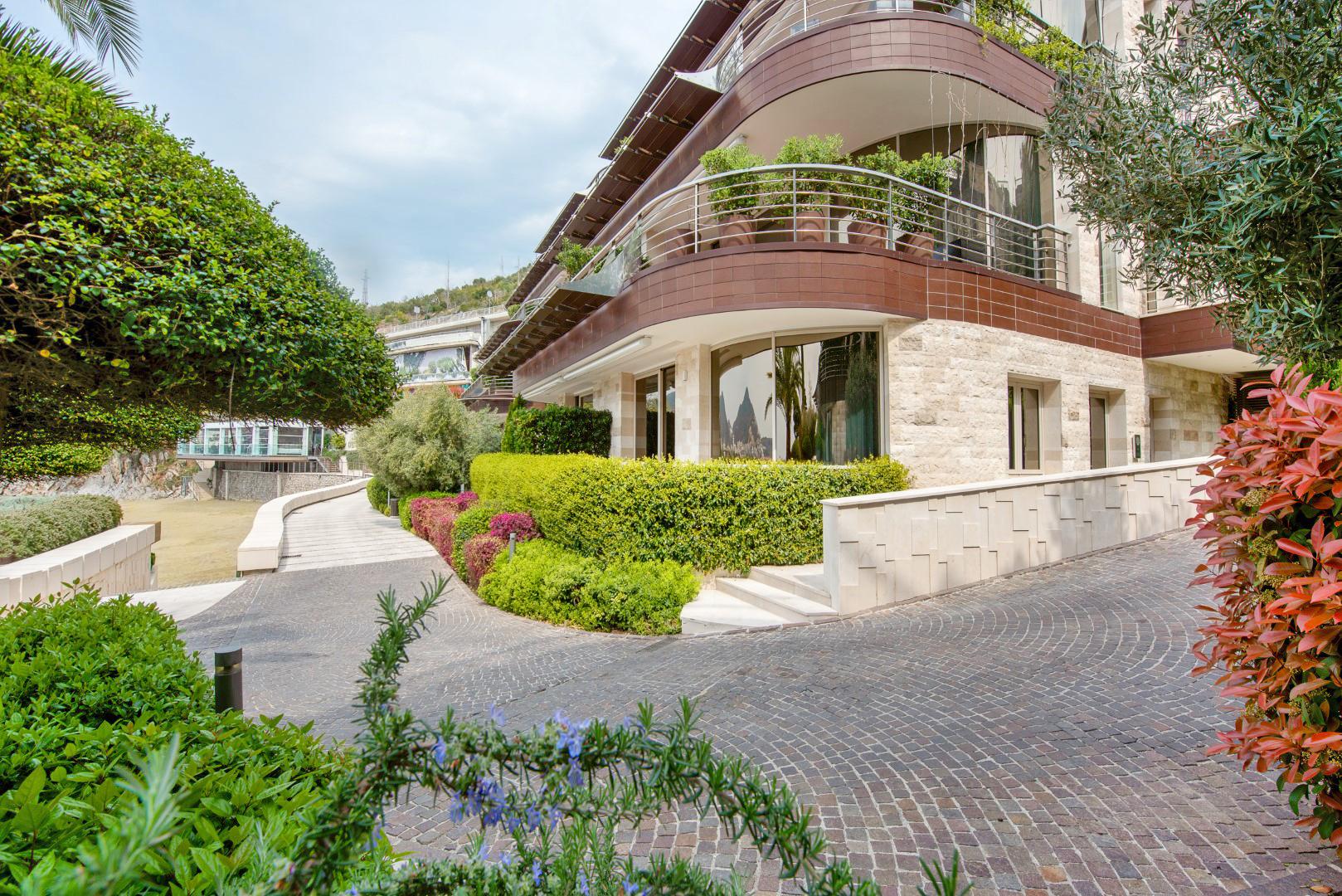 Budva, Dukley Gardens – jednosoban apartman na prvoj liniji do mora