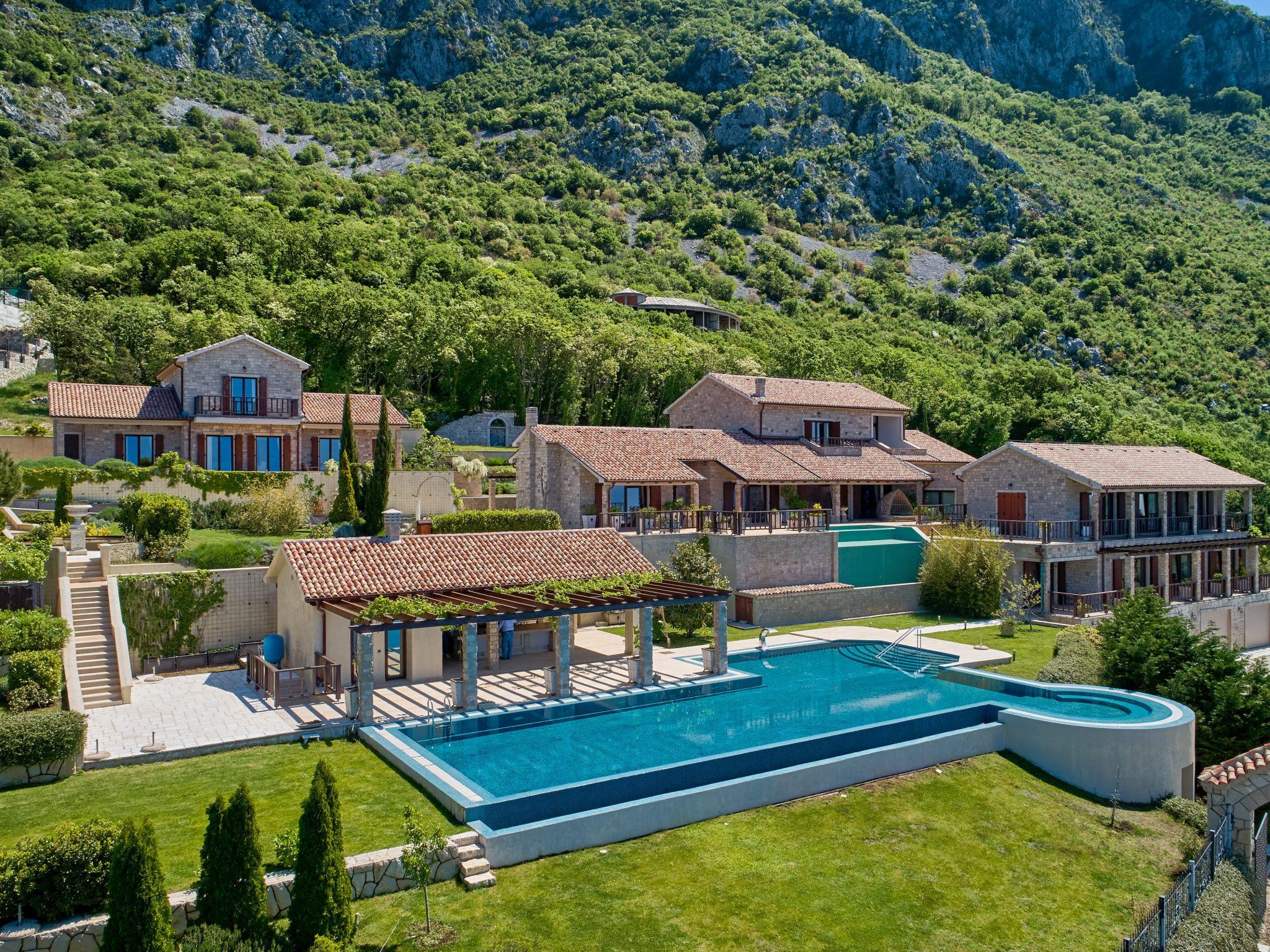 Будва, Близикуче - уникальная элитная недвижимость с панорамным видом на море