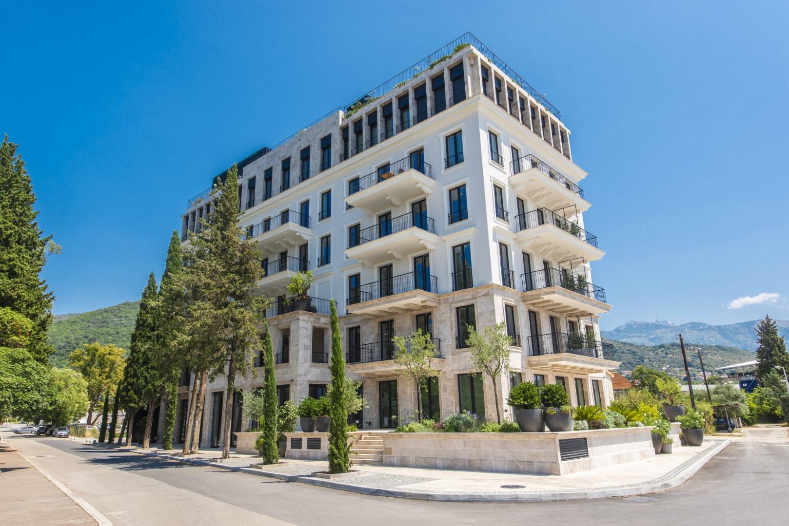 Tivat, Seljanovo –prestižni stambeni objekat pored marine Porto Montenegro