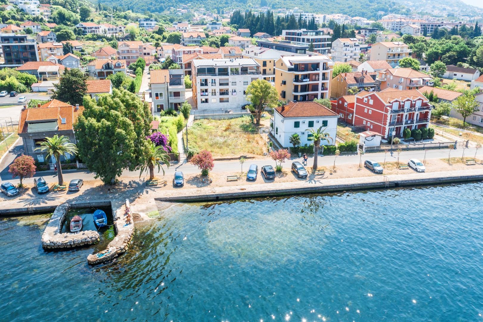 Tivat, Seljanovo – trosoban apartman sa pogledom na more
