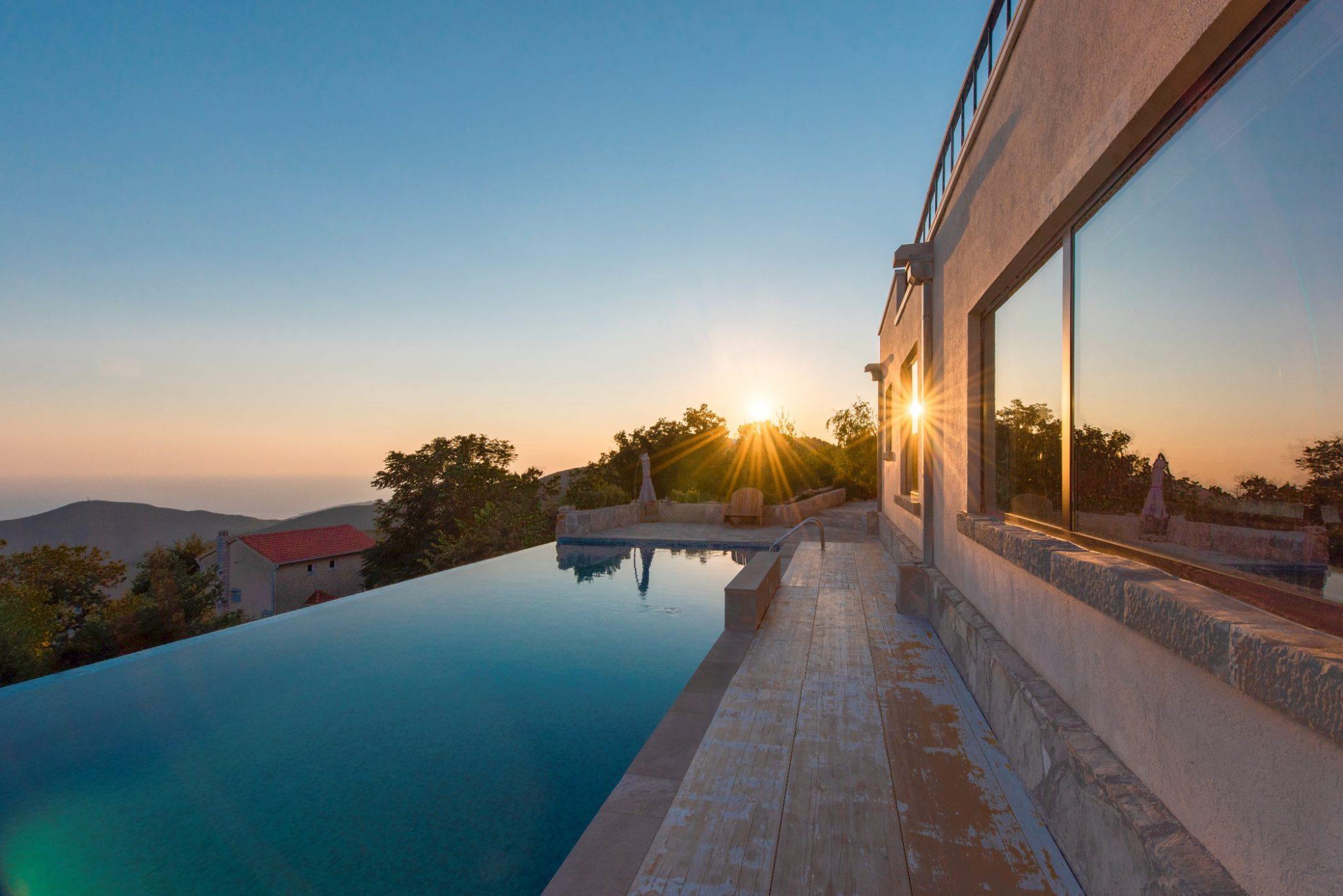 Budva, Lapčići – kompleks od dvije vile sa bazenom i panoramskim pogledom na more