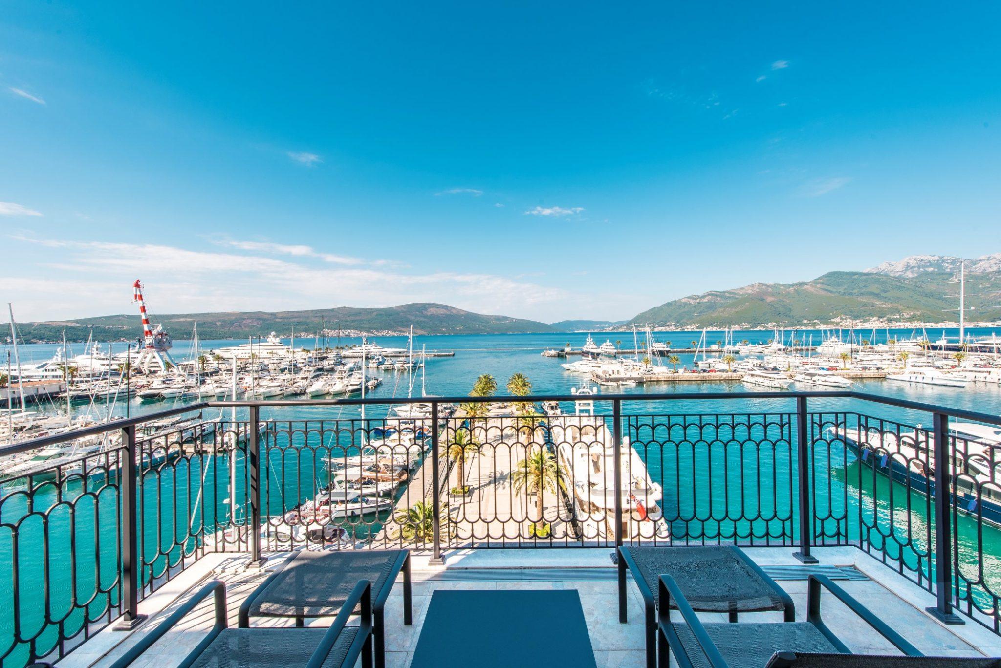 Tivat, Porto Montenegro – trosoban apartman na prvoj liniji do mora, hotel Regent