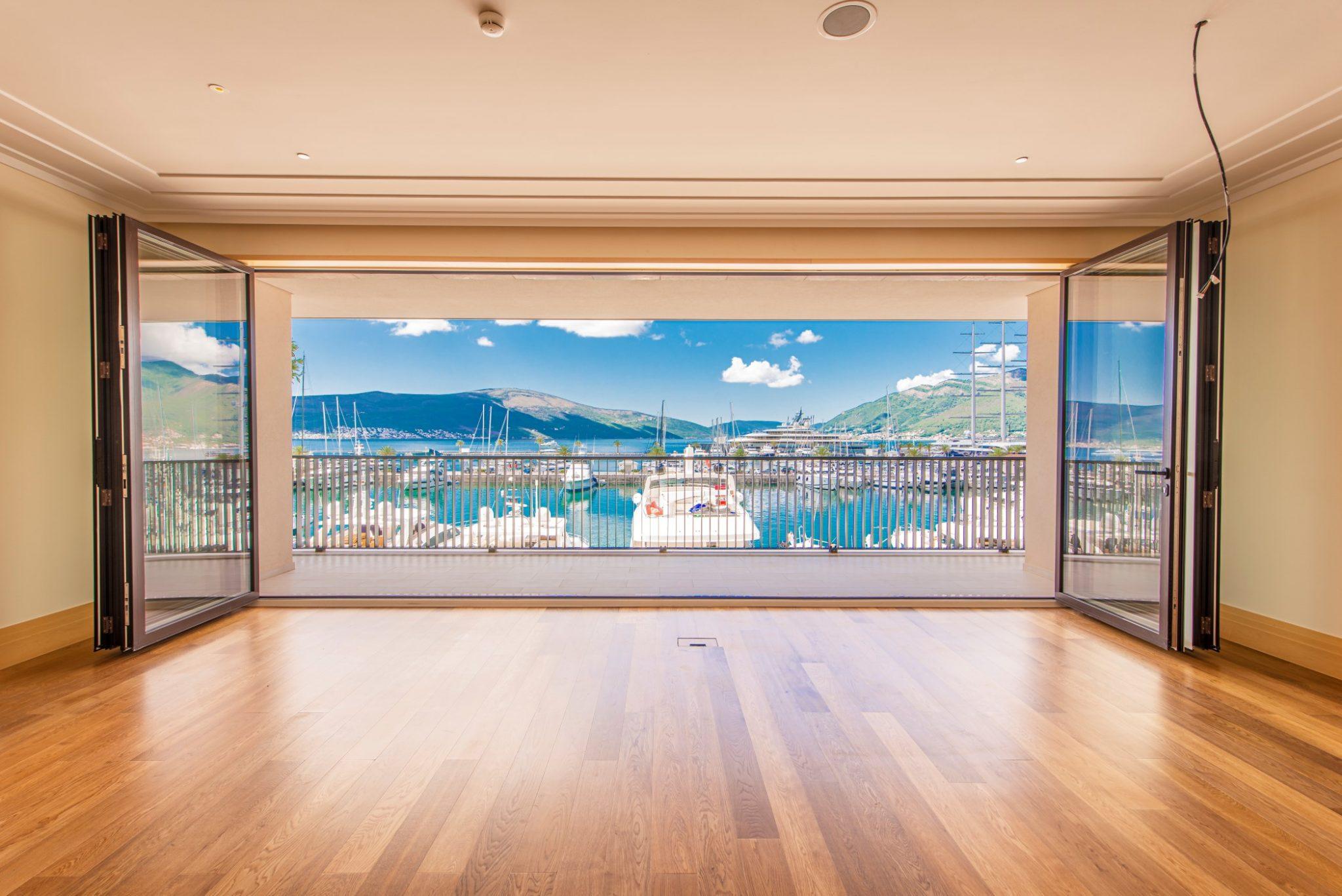 Tivat, Porto Montenegro – dvosoban apartman na prvoj liniji sa panoramskim pogledom na more