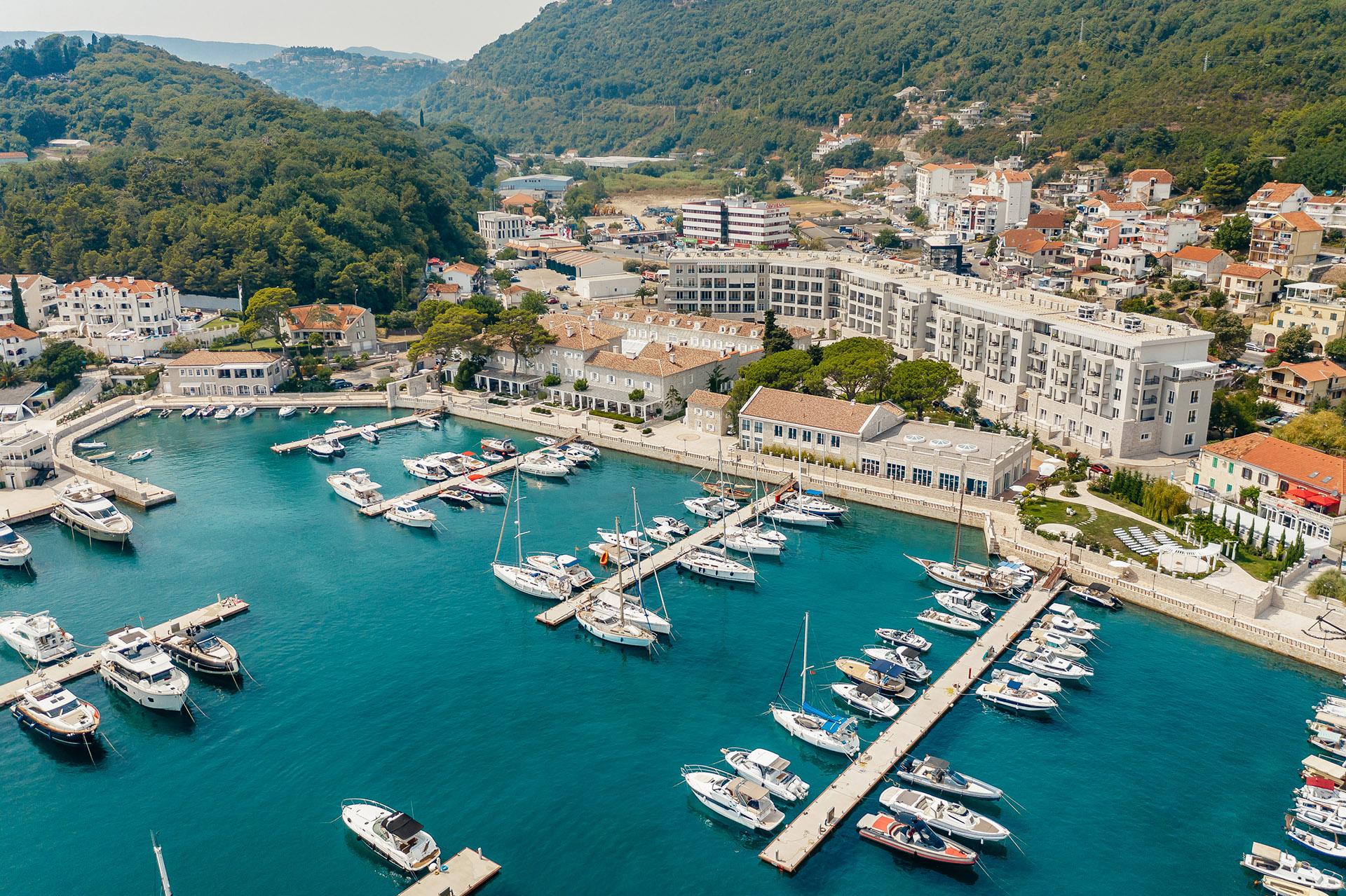 Herceg Novi, Meljine – luksuzni apartmani u kompleksu sa marinom