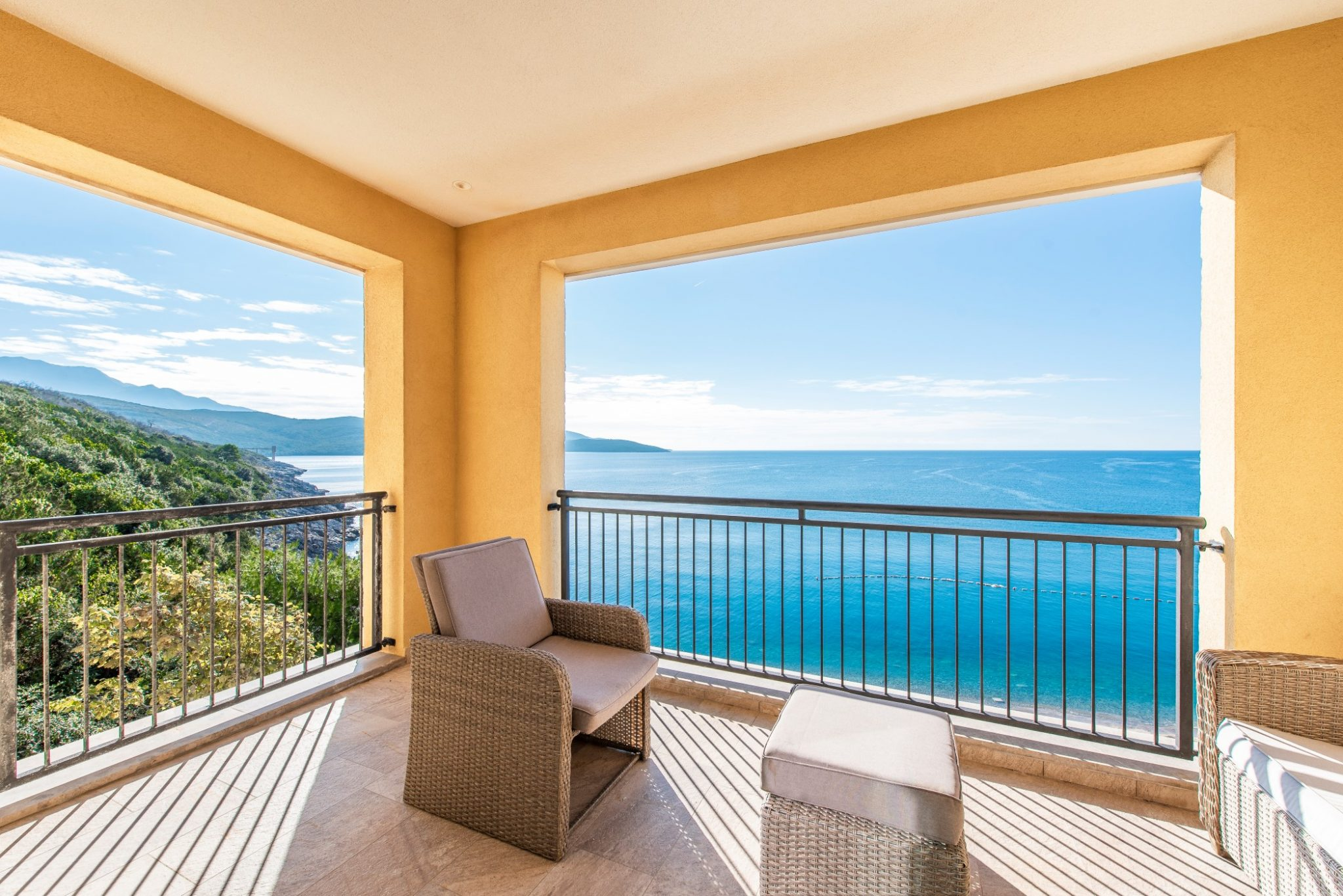 Luštica Bay - 1 bedroom apartment directly on the waterfront with a stunning panoramic seaview