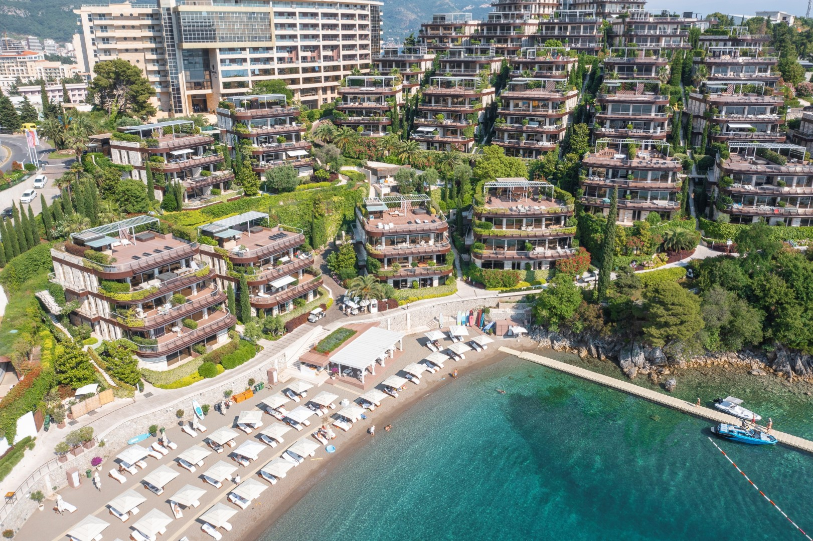 Budva, Dukley Gardens – exclusive two-bedroom apartment on the first line to the sea