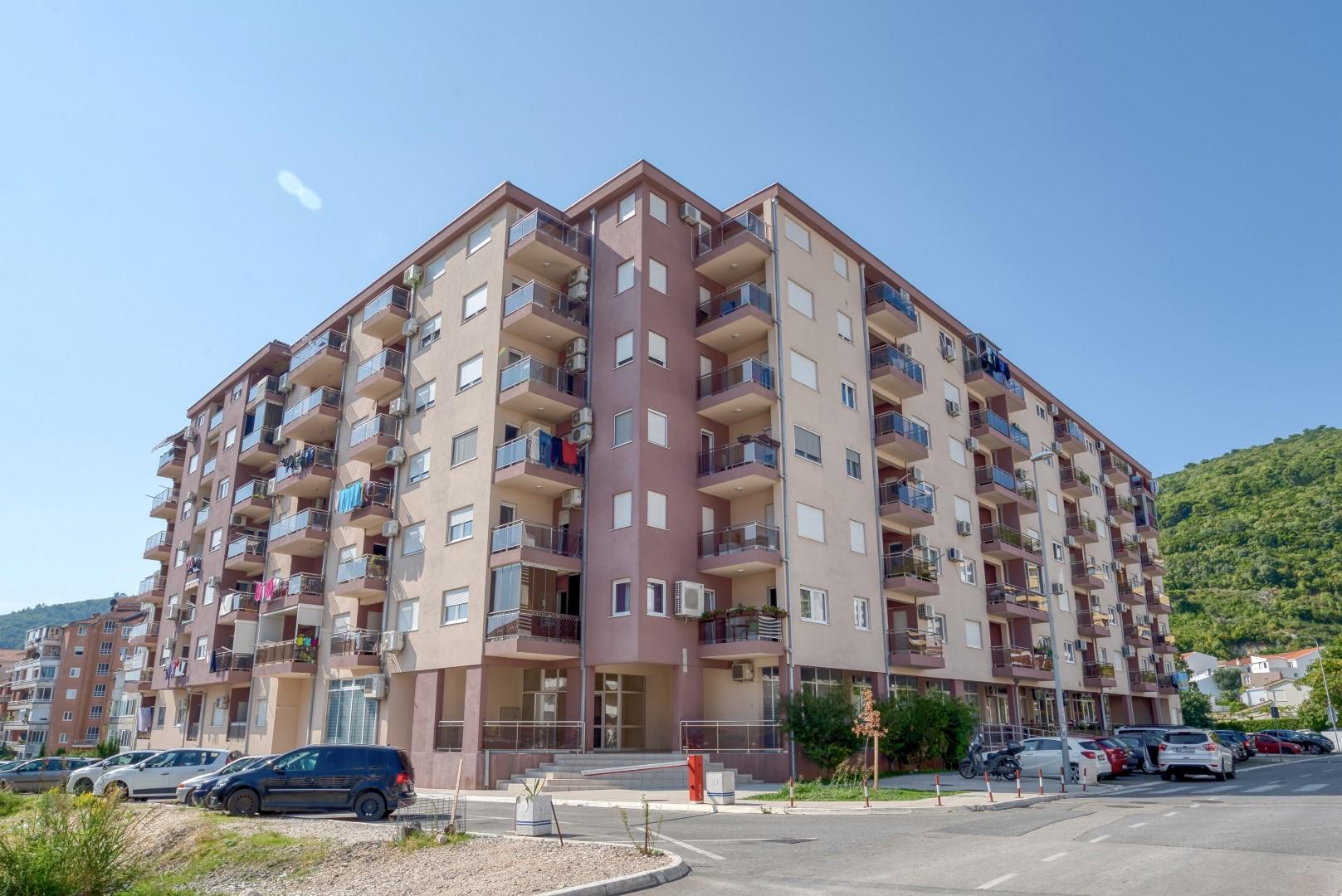 Budva, Rozino – furnished two-bedroom apartment
